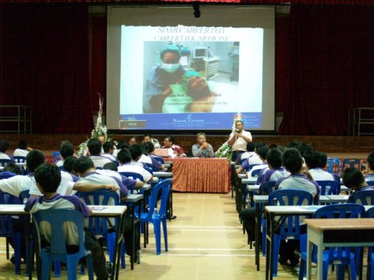 Me giving the career talk in April 2011 at SDAR Sungai Gadut.